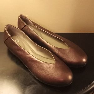 Eileen Fisher bronze leather flats